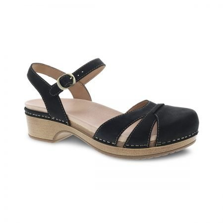 Betsey Black Milled 01